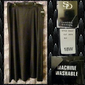 Sandra Darren Blk Satin Maxi Skirt Sz 18W